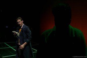 Amigo de Kurt y Kurt en el parque interpretado por Fernando José Hidalgo y Joe Manny en obra de teatro El método dirigida por Andrés David González Muñoz compañía Malditos peliculeros a partir del texto de Carlos Muñiz El tintero.